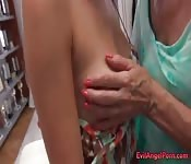 Super hot granny enjoying hardcore anal sex
