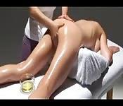 Un masaje lésbico 3