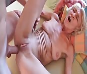 Mature momma still likes it in her ass