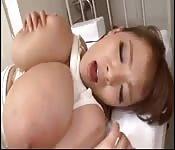 Hitomi Tanaka fucks her doctor