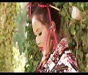 Una geisha se pone cachonda