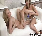 Des lesbiennes amateur baisent bien