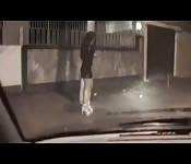 Fudendo com uma puta na rua