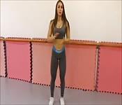 Fitness chick squat