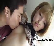 Koreanische Amateurin verliebt sich