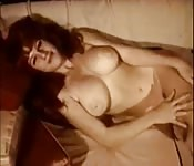 Mulher vintage em solo sexy