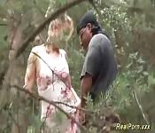 Scopando duro nel bosco