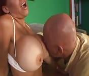 Un bon banquet de seins
