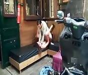 Mechaniker fickt die Stripperin
