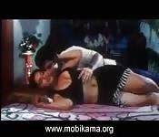 Bollywoodluder steht auf viel männliche Aufmerksamkeit