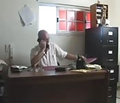 Amateure ficken im Büro