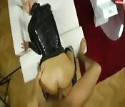 Allemand en cuir pantalon baisée