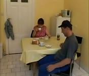 Nachdem Essen wird gefickt