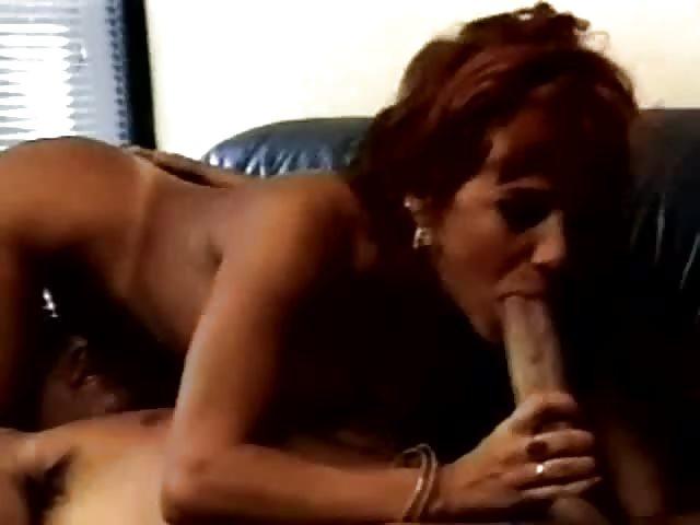 dando pompino perfetto Titis sesso