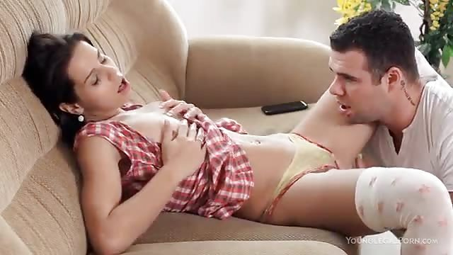 Adolescente Teniendo Sexo En La Sala De Estar Serviporno Com