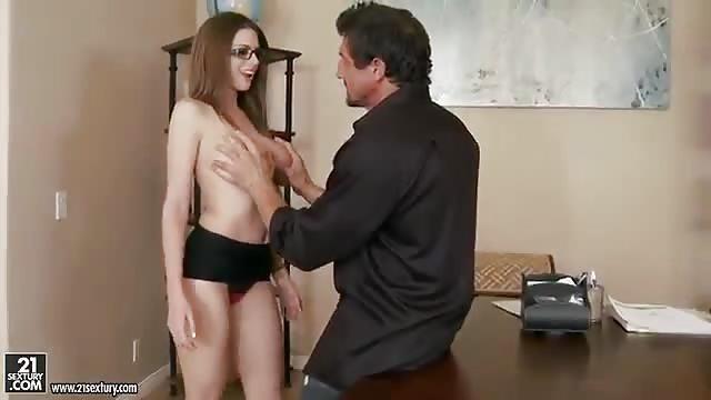 Secretaria Fetiche Porno Gratis - Ver y descargar