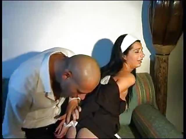 Hete meid neukt met de baas