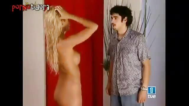 Lucia Lapiedra Se Desnuda En Televisión Española