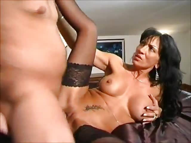 Horny mature woman willing to fuck hard