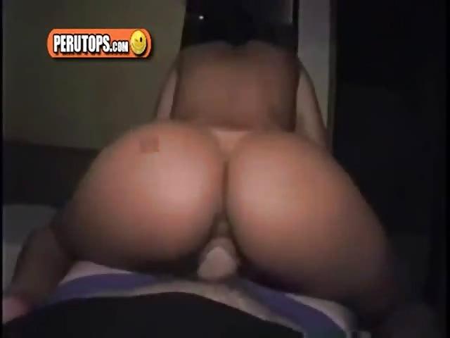 Amateur met een grote kont houdt van anaal neuken