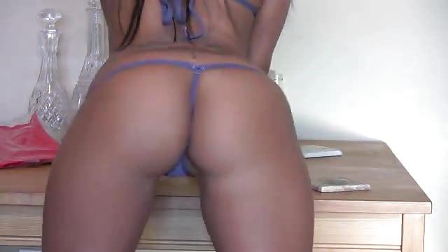Belleza de pelo negro follada - Canalpornocom