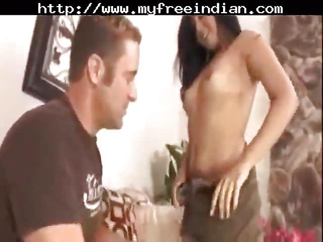Une superbe femme indienne se fait baiser