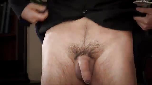 grote borstemhandyman Bofkont neukt 2 mooie brunettes