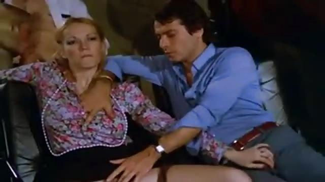 Mujeres muy viciosas en cines porno Calenton En El Cine Serviporno Com