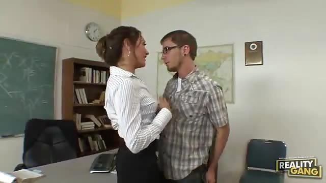 Je baise mon professeur de français