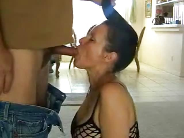 Amateur Ebony Milf The Hood