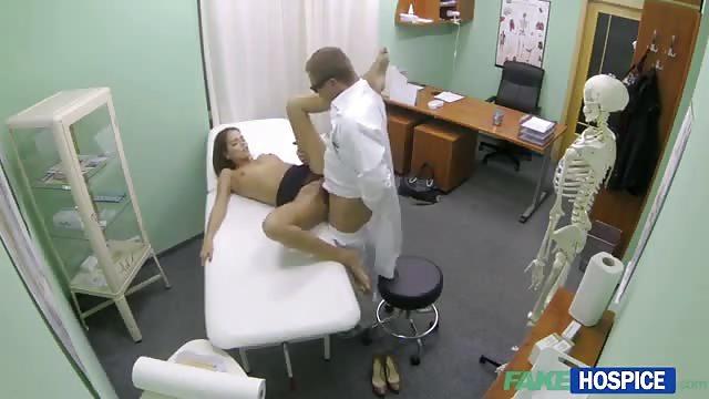 Regarder la vidéo porno médecin