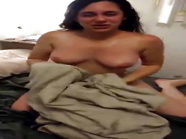 amateur blonde milf posiert nackt