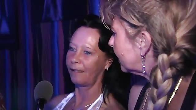 Sexy video Coroas transando videos gratis smell wolf