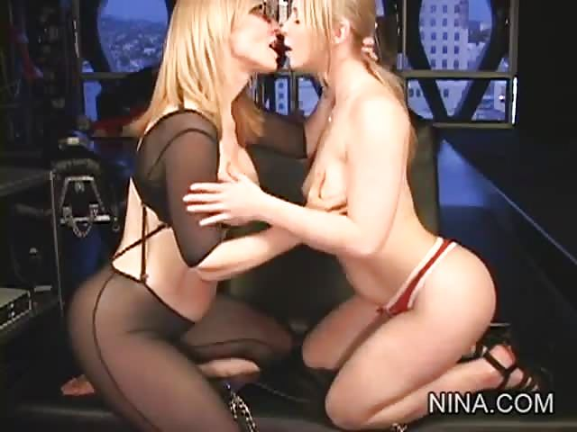 Nina Hartley lesbo seksiä