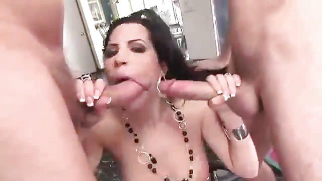 Rebecca Linares grande cazzo asiatico buco del culo porno foto