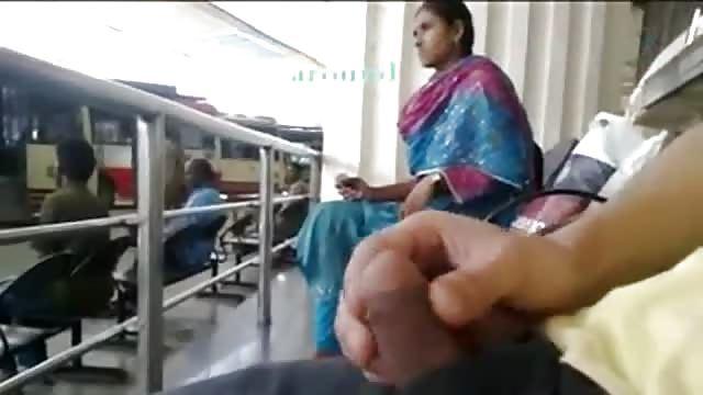 Got erwischt masturbieren öffentlich