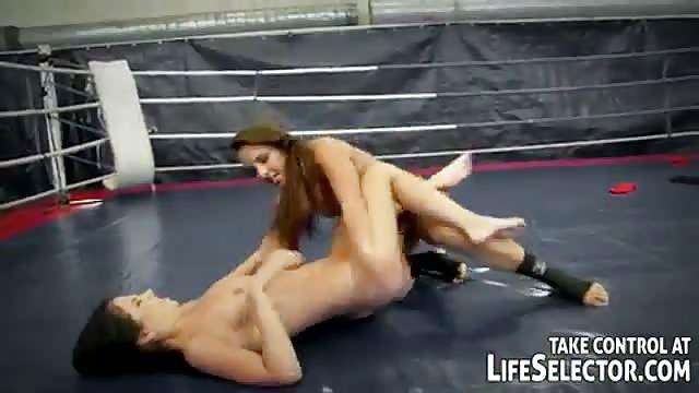 Morena sexy recebe 31 cm de rola preta em seu cu apertado - 5 1