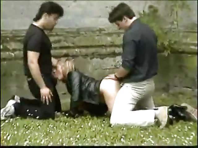 videos porno de trios gratis folladas en la calle