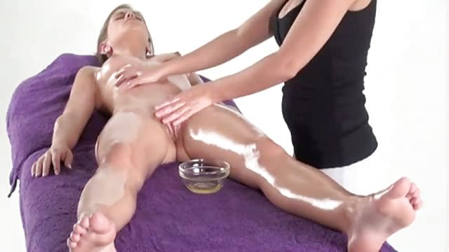 rapporti sessuali porno donna massaggiatrice