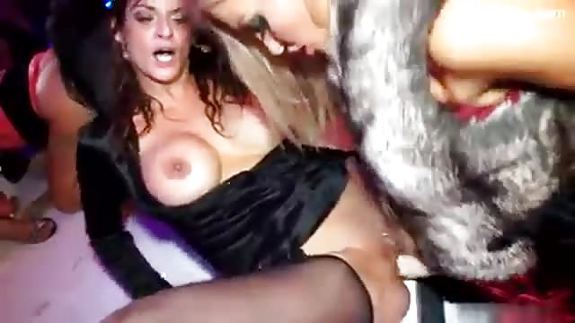 facebook seks orgie in Valkenburg