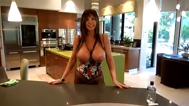 Télécharger la vidéo porno énormes seins