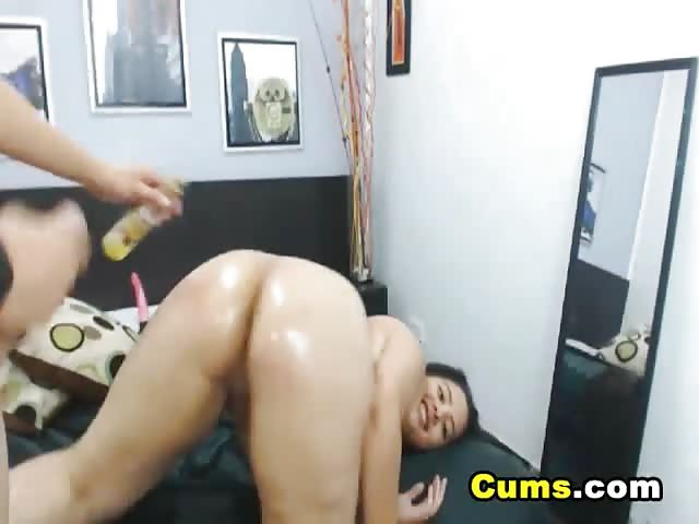 gigantyczny kutas dla nastolatka porno wykonane przez lesbijki