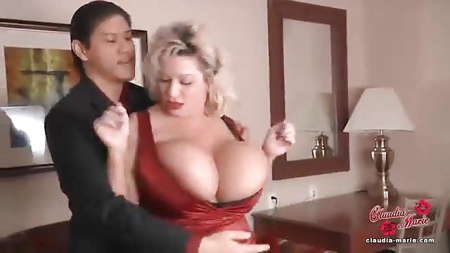 Filles Asiatiques Aux Gros Seins - Films Porno de Filles