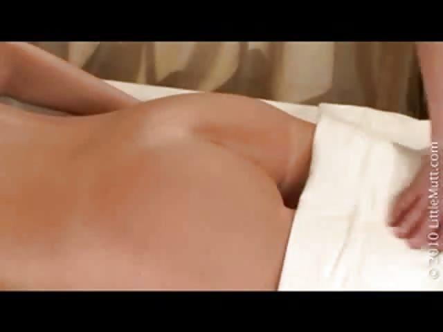 Massage entre lesbiennes-1675