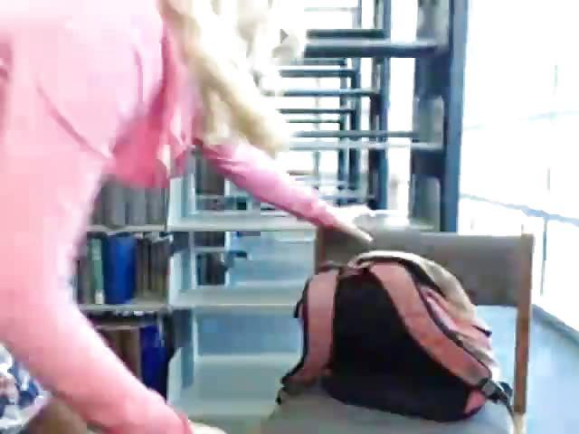 liveshow Masturberen in de bilbliotheek
