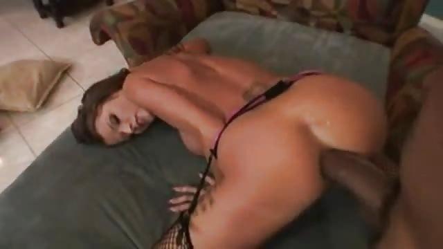 Déchirer le cul d'une salope sexy