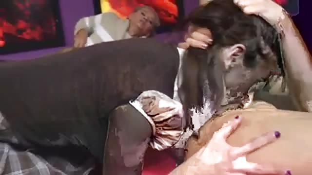 Annie Cruz lesbienne gicler