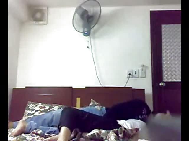 小中国女孩在家里乱搞