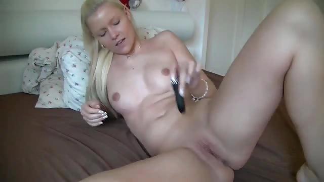 deutsches mädchen masturbiert