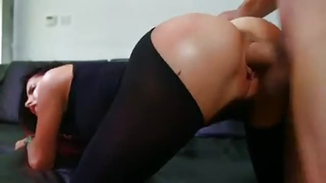 Pervertido abusa de su sobrina indefensa - Porno real